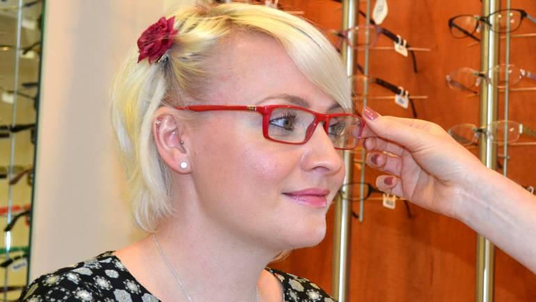 Glasses adjustment